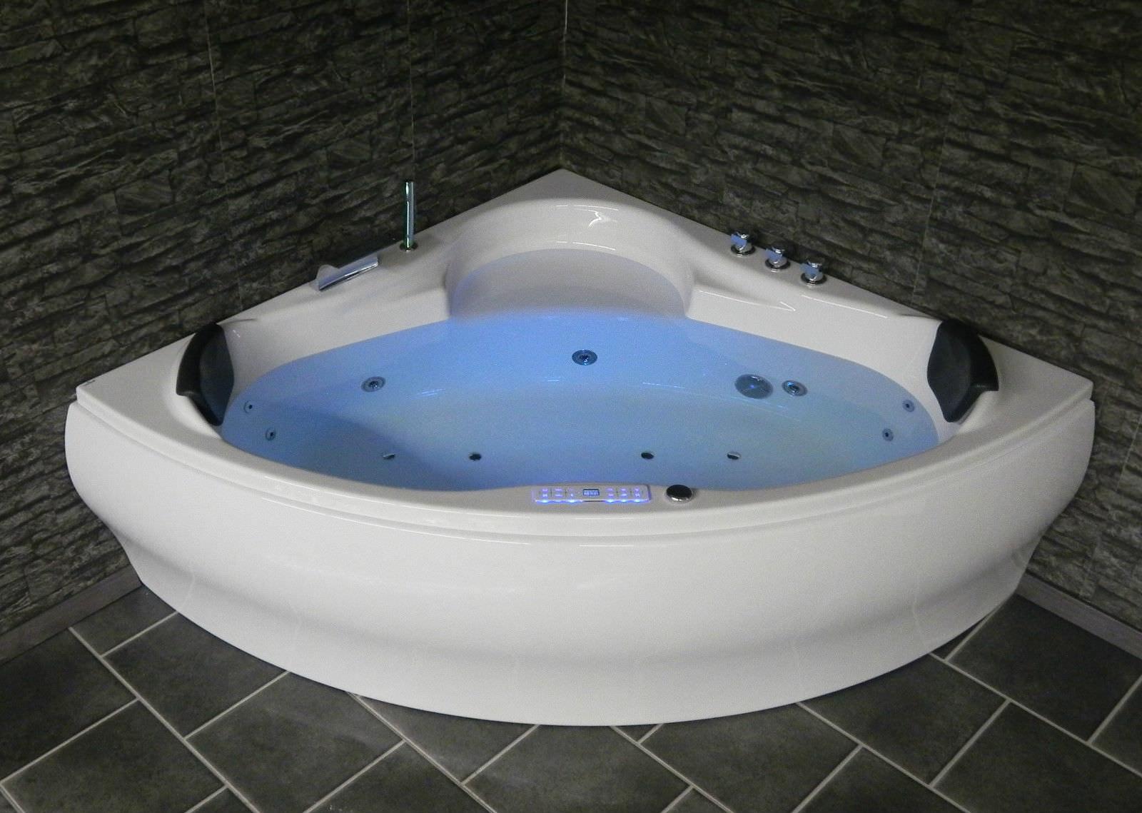 eckwhirlpool whirlpool badewanne jacuzzi pool lxw dina. Black Bedroom Furniture Sets. Home Design Ideas