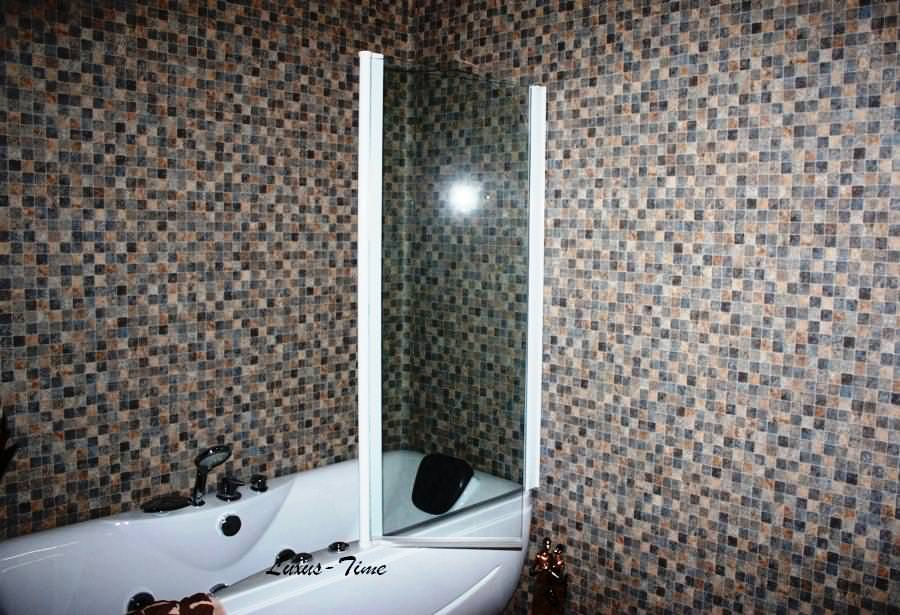 luxus time sanitary ware badewannenduschwan duschwand 2 teilig wei. Black Bedroom Furniture Sets. Home Design Ideas
